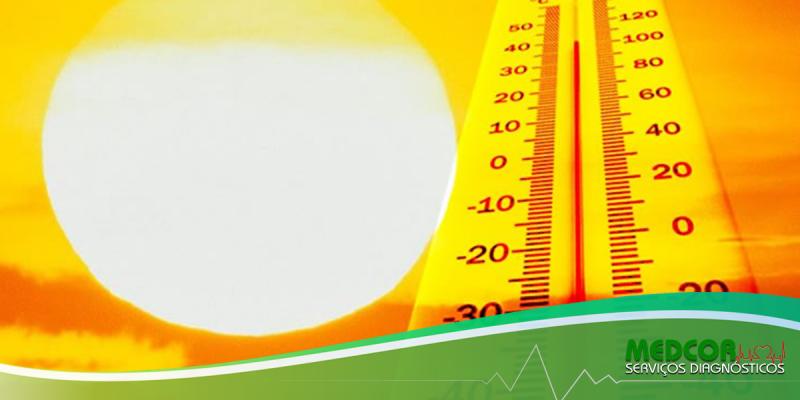 Por que o corpo incha mais no calor?