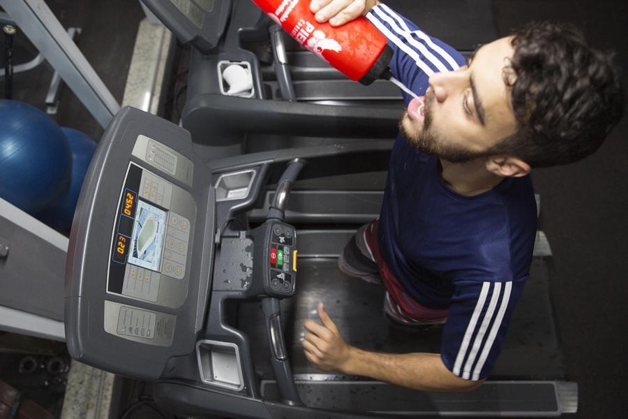 Fique atento à hidratação e alimentação antes e depois da atividade física