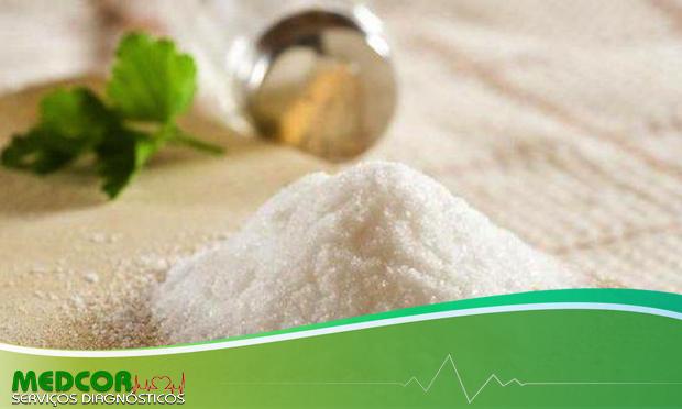 O sal que a gente não vê e os perigos do exagero na alimentação